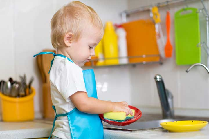 The Benefits Of Doing Chores With Your Little One