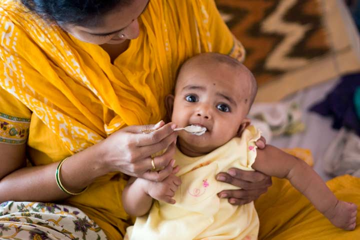 Be Careful When You Introduce Solid Food Into Your Baby's Meal