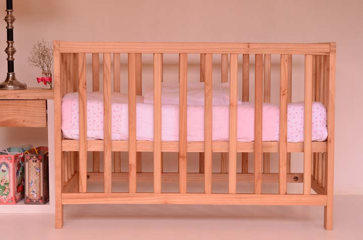 Things To Keep In Mind While Buying A Cot For Your Baby