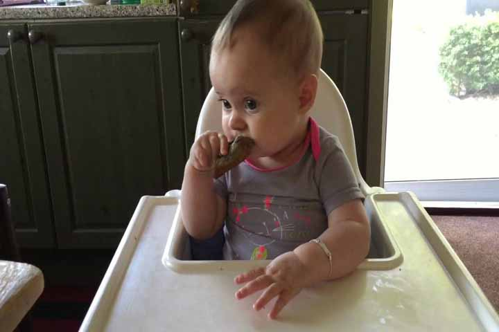 Let Your Baby Try Eating On Their Own