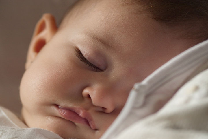 Tip To Prepare Your Baby To Sleep Alone