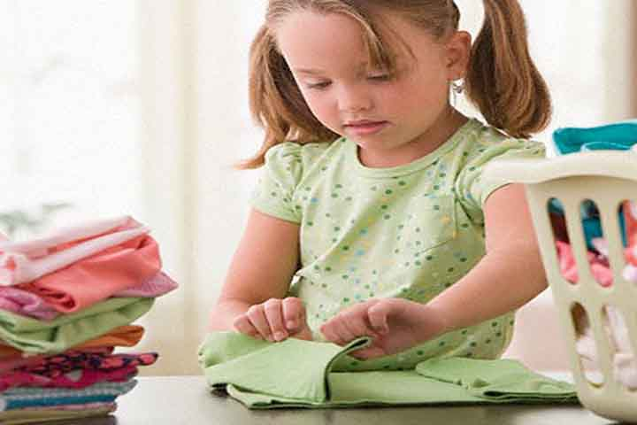 Clarify Rules About Household Tasks To Your Kid
