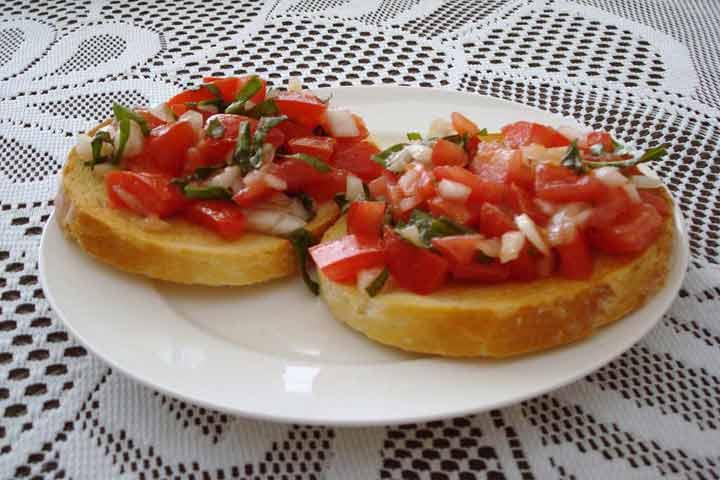 Juicy Tomato Bruschetta