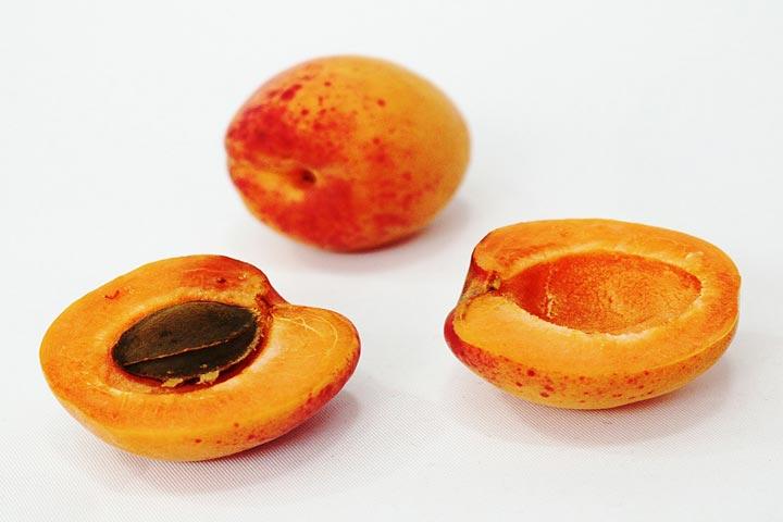 Yummy Apricot Balls