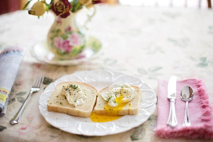 Delicious Prosciutto & Egg Toast