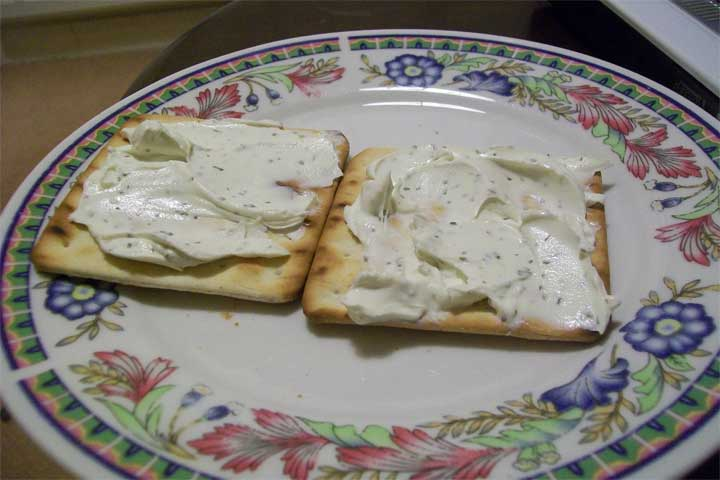 Creamy Cheese with Tomato and Cucumber