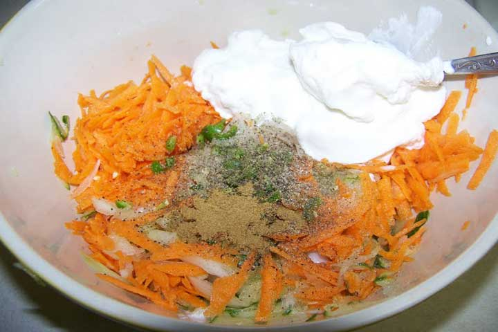 Simple Carrot Raita