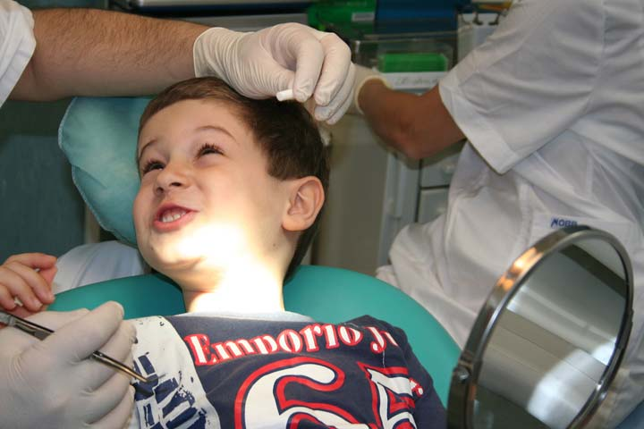 Start Consulting A Dentist From An Early Age