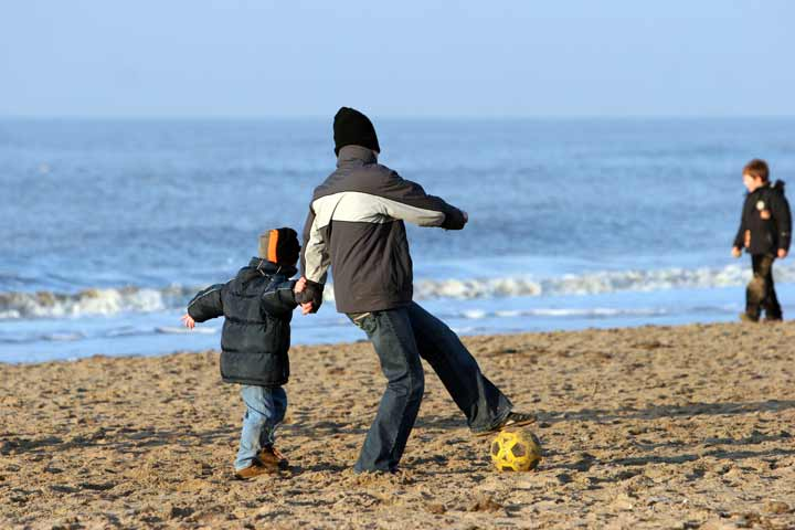 Strike  A Balance Between Supervising Your Kid And Letting them Go