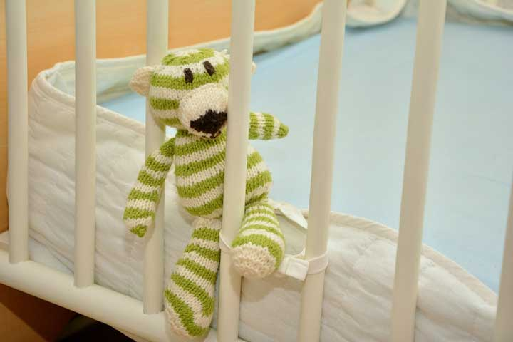 Things To Keep In Mind While Buying A Cot For Your Little One