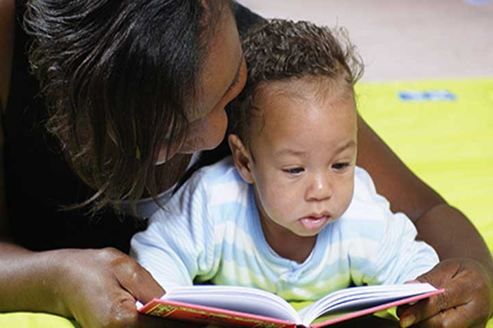 Tips To Make Story Telling Interesting To Your Baby