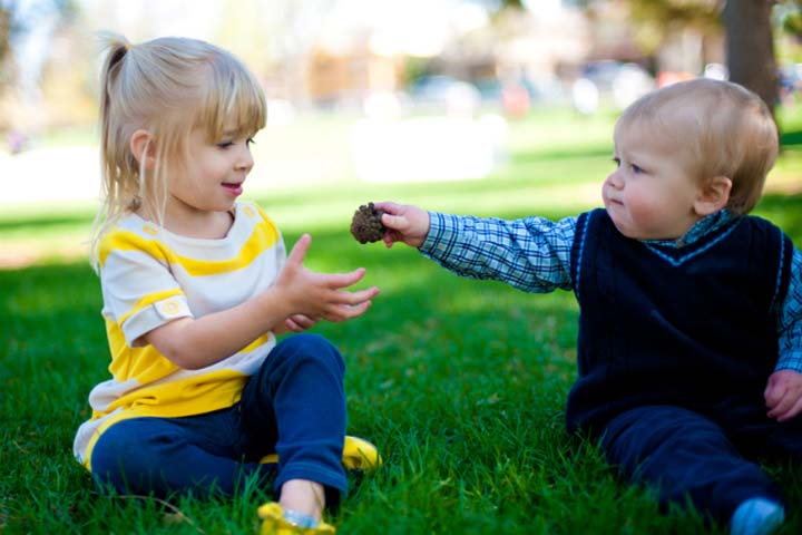 Quick Tips to Inculcate in Your Child the Art of Sharing