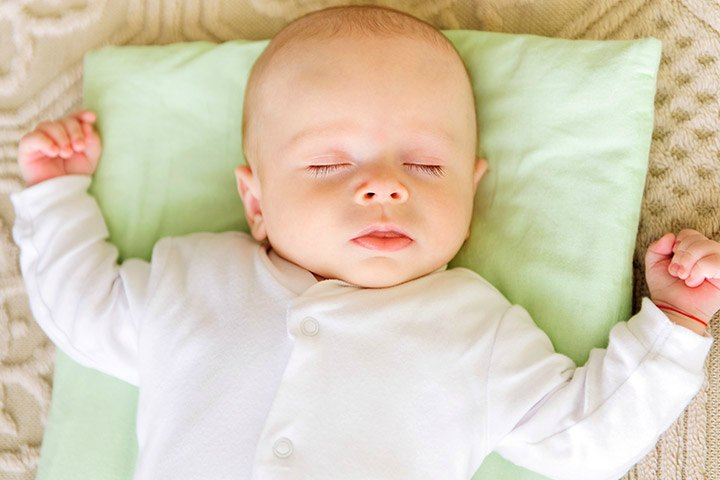 When Can Your Baby Sleep With A Pillow?